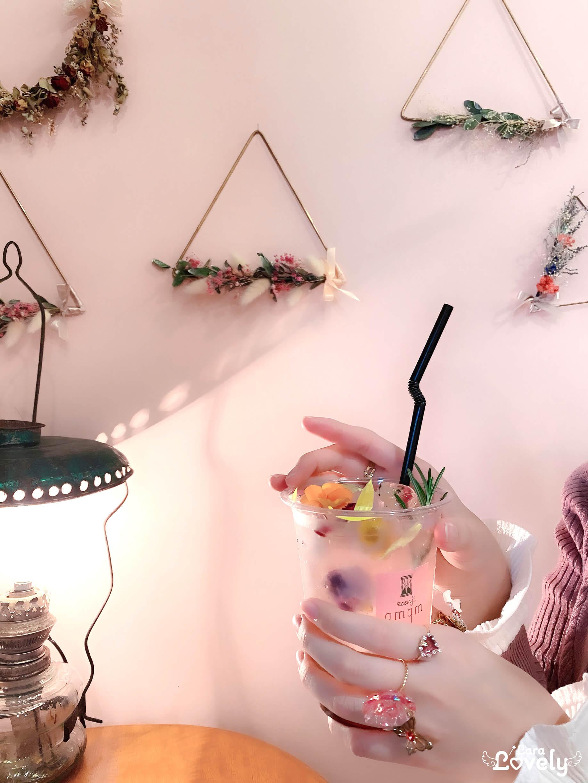 大人かわいいお花のカフェ♡